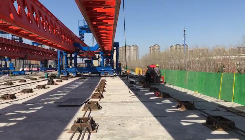 65吨千斤顶张拉螺纹钢锚具施工现场